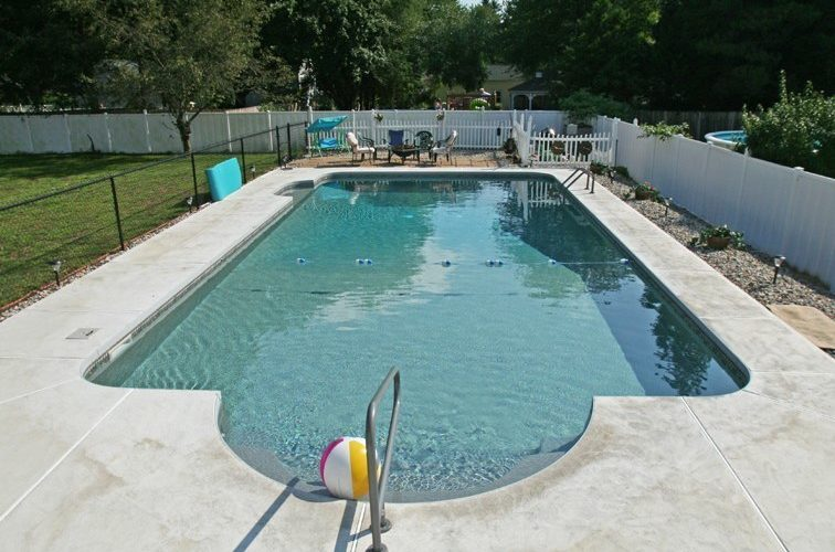5D Patrician Inground Pool - Enfield, CT