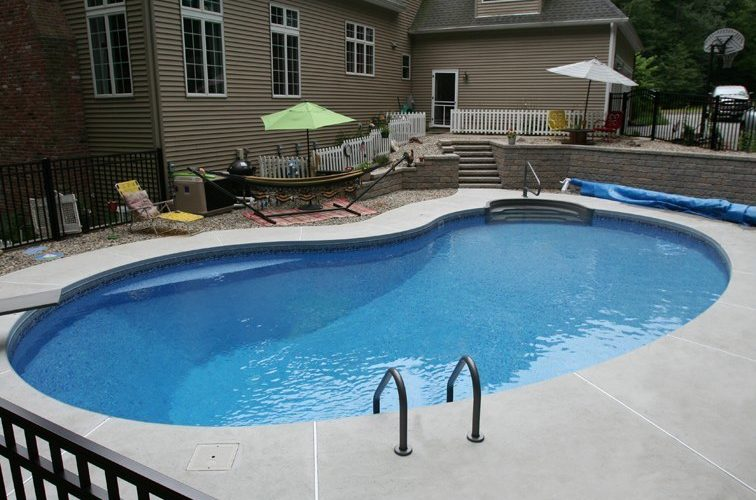 7C Kidney Inground Pool -East Longmeadow, MA