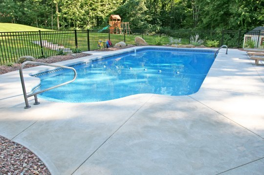 9B Patrician Inground Pool - Portland, CT